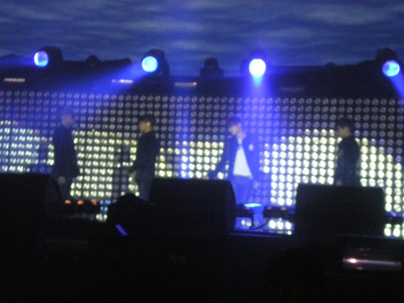 MUSIC BANK PARIS 08/02/2012 Imgp0143