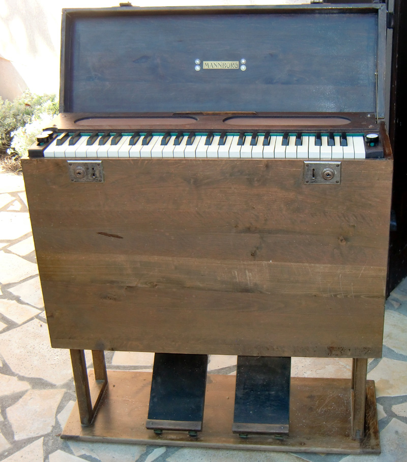 Petit Mannborg pliant 2 jeux 4 octaves Mannbo10