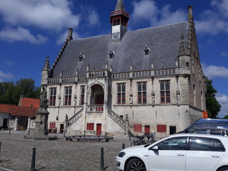 Rassemblement du club renault 15/17 des Pays Bas à Bruges. 20190535