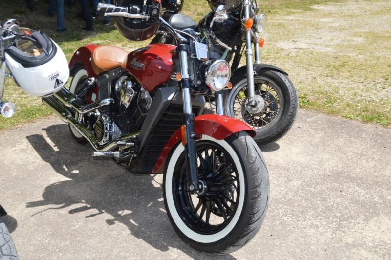 première rencontre auto moto Tonnerroise Dsc_1274