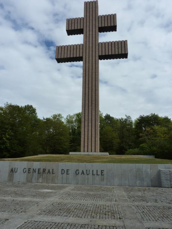 [ Histoires et histoire ] 50ème anniversaire de la disparition du général Charles de Gaulle P1010618