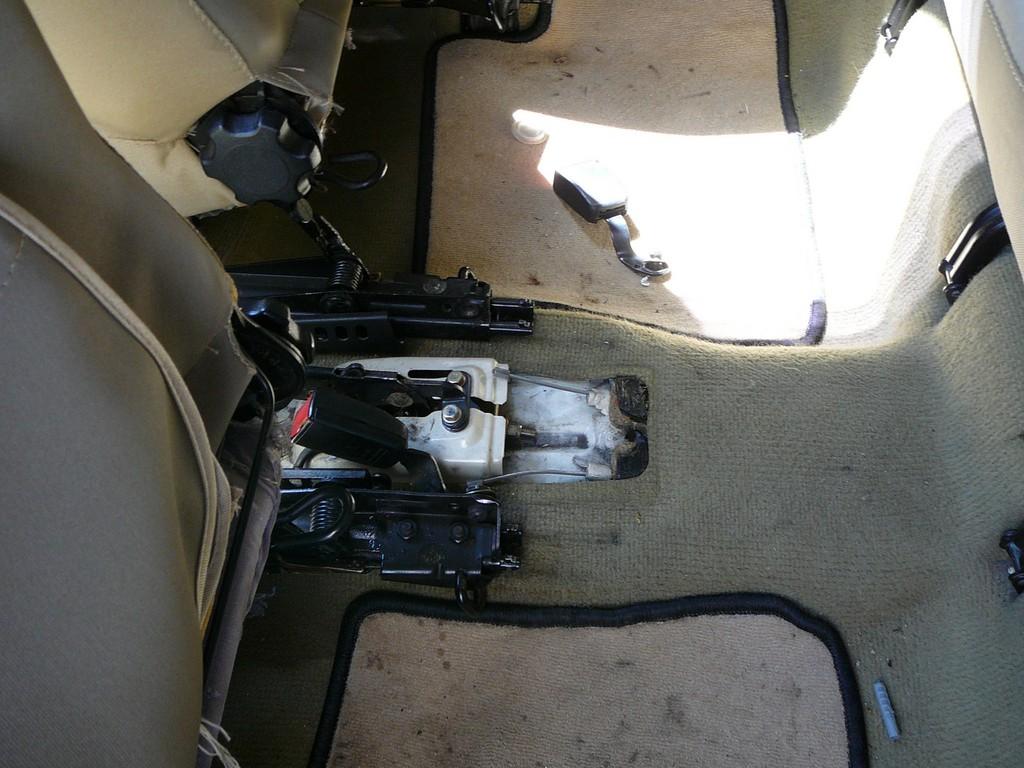 [Vendu] Peugeot 205 Indiana. P1040487