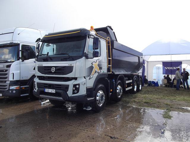 FMX la gamme chantier de Volvo 49715110