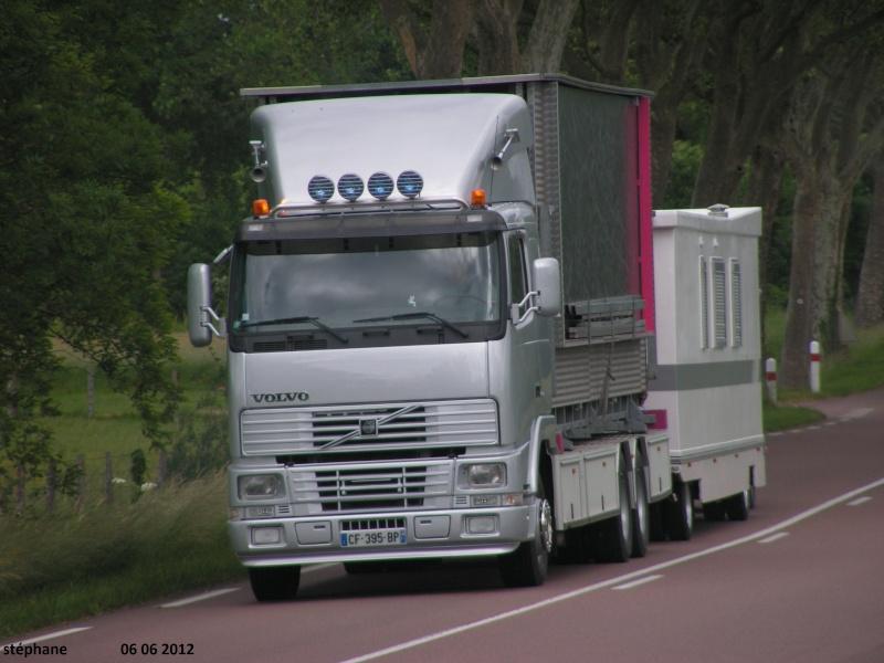 Les Camions des forains - Page 2 Le_06_90