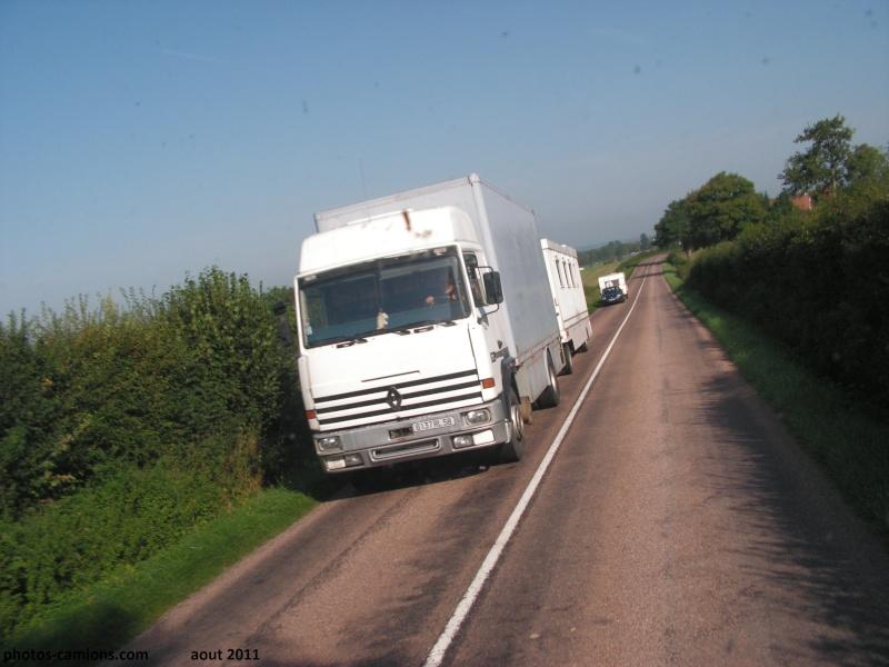 Les Camions des forains - Page 2 Pict1478