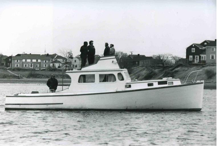 ORCA barca del film Lo Squalo (pozzimario) - Pagina 2 Warloc10