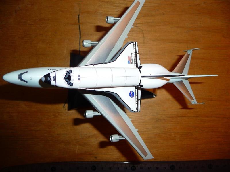 maquette disovery sur son 747 P1070511