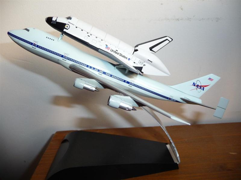 maquette disovery sur son 747 P1070512