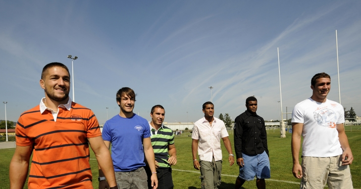 Joueurs de l'ASM égéries de Kaora Rugby Ciel_s10