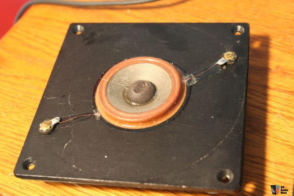 Remplacer l'anneau en mousse de tweeters JBL LE25 (enceinte 4311 Control Monitor) 24613210