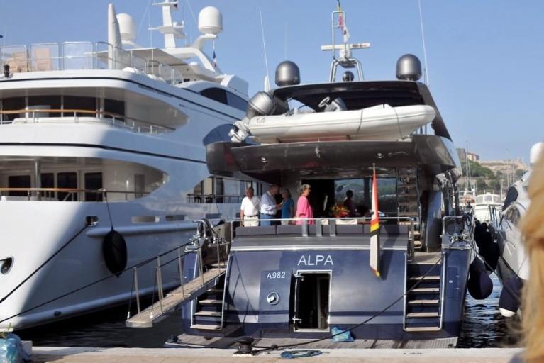 Alpa : Yacht Royal Albert II Att00011