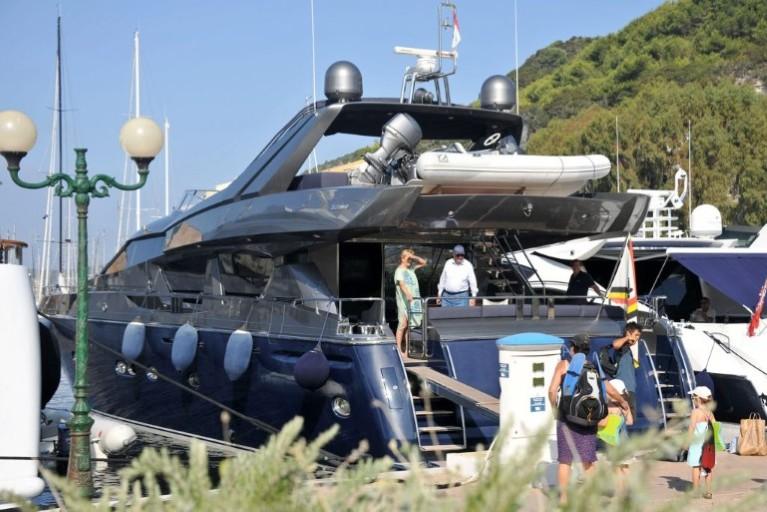 Alpa : Yacht Royal Albert II Att00013