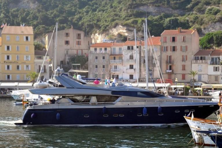 Alpa : Yacht Royal Albert II Att00017