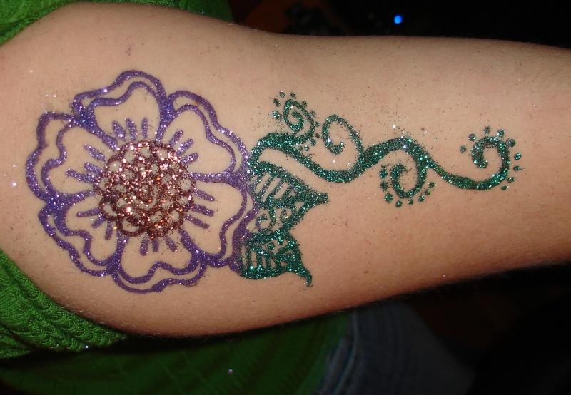 Free hand glitter tattoos? Dsc07511