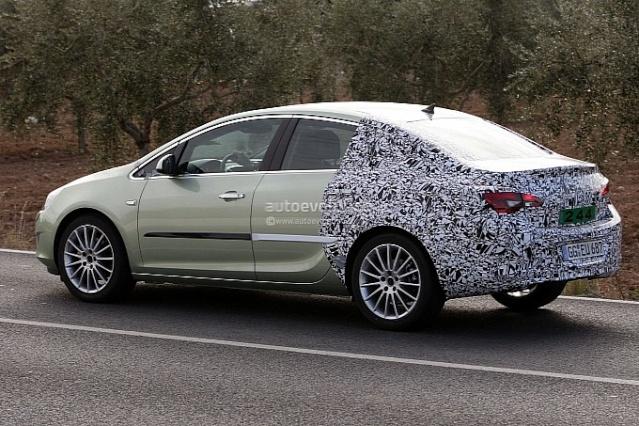 2012 - [Opel] Astra Restylée (toutes déclinaisons) [J] 742