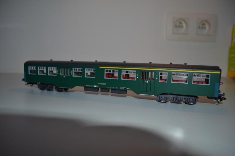 [Débriefing] Märklin 43541 = Set de voitures de banlieue ( M2 ) de la SNCB Dsc_0166