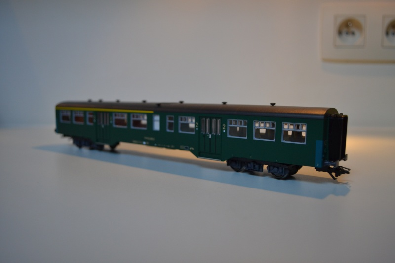 [Débriefing] Märklin 43541 = Set de voitures de banlieue ( M2 ) de la SNCB Dsc_0167