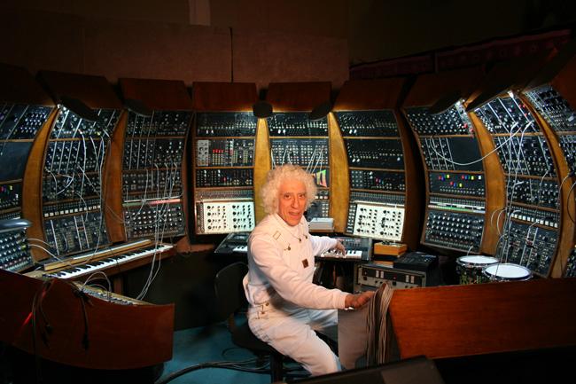 Robert Moog 23/05/1934 - 21/08/2005 Malc_w11