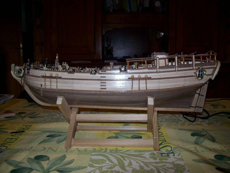 HMS Victory 1765 : Partie-1 (Artesania Latina 1/84°) par Steckmeyer - Page 5 00113