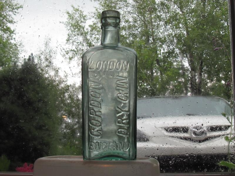 2 bouteille de gin 00734
