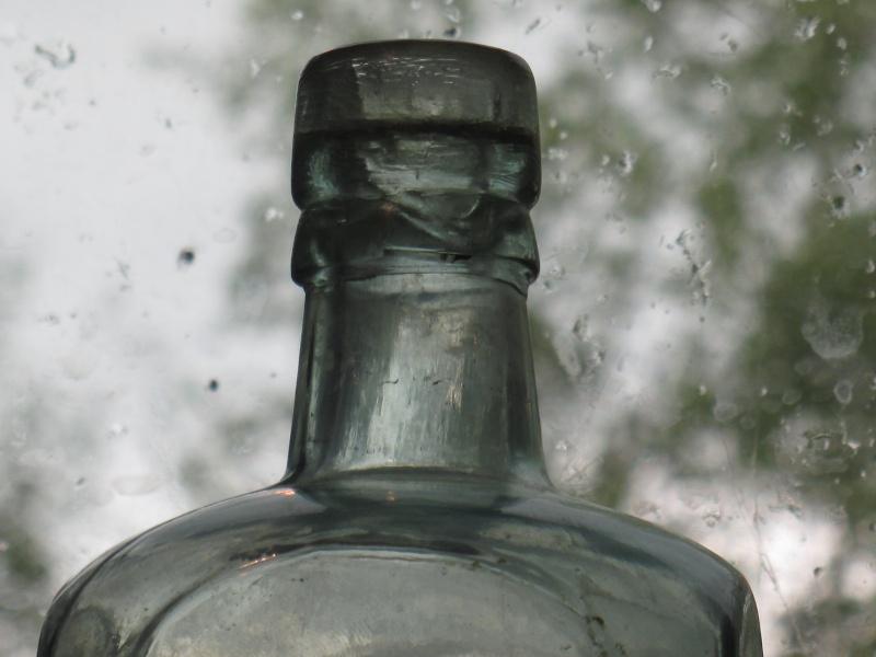 2 bouteille de gin 00832