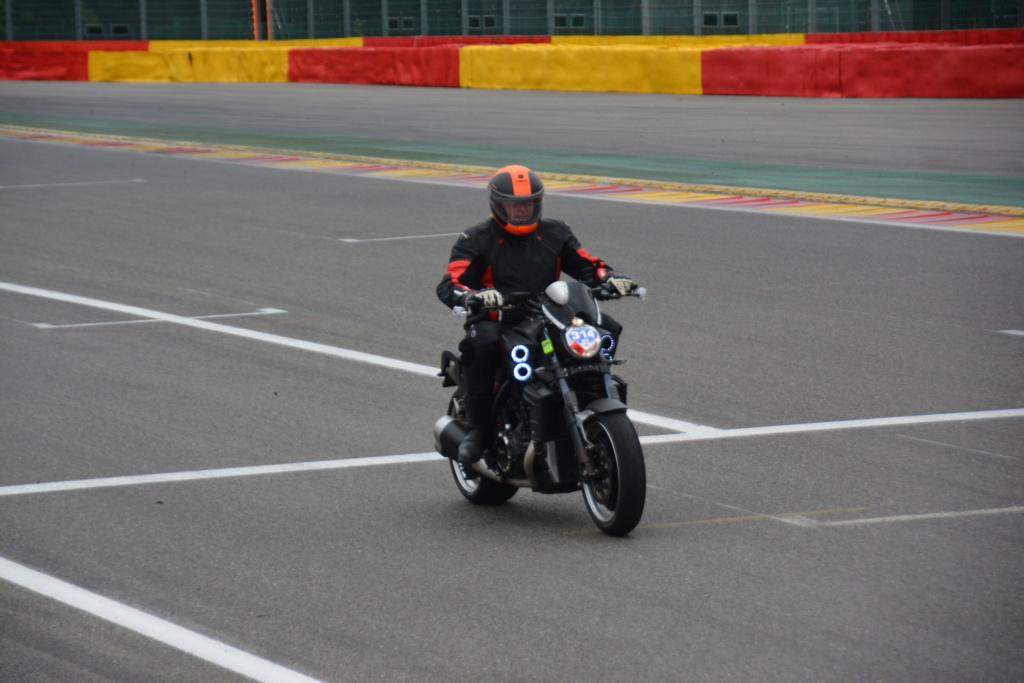 Une journée de roulage à SPA FRANCORCHAMPS  Dsc_0933