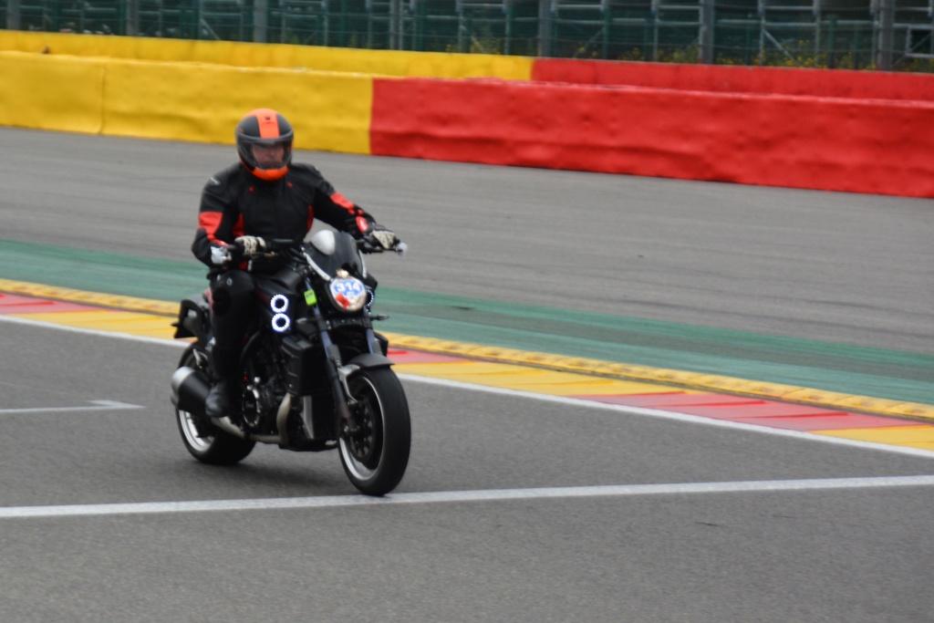 Une journée de roulage à SPA FRANCORCHAMPS  Dsc_0936