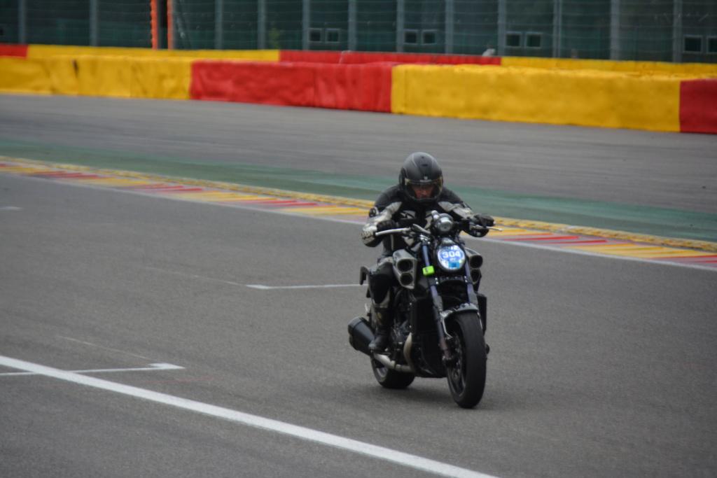 Une journée de roulage à SPA FRANCORCHAMPS  Dsc_0939