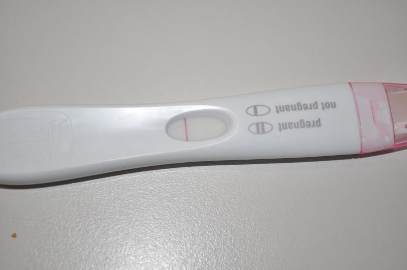 Embêtée par son test de grossesse...! Dsc_0311