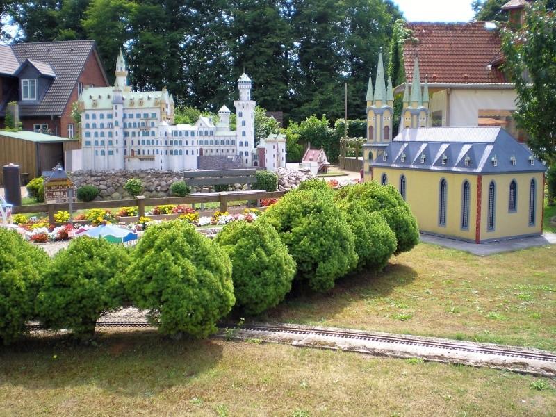Mini-Born-Park Owschlag - Außenanlage in Spur IIm mit berühmten Gebäuden in 1:25 20060105