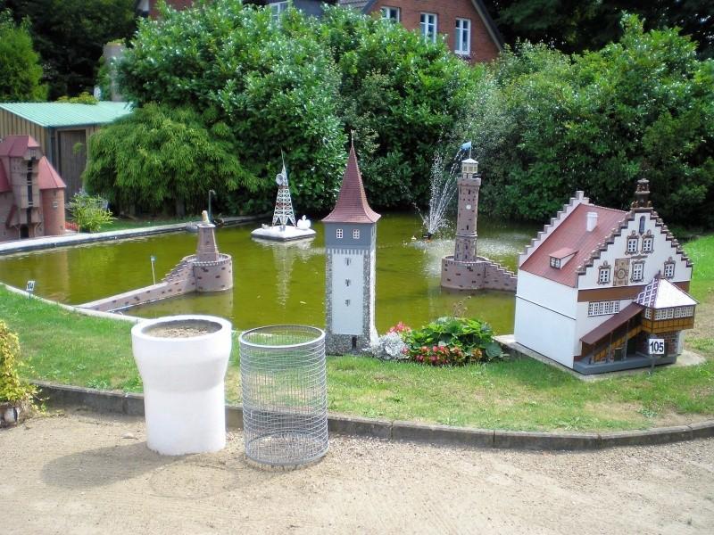 Mini-Born-Park Owschlag - Außenanlage in Spur IIm mit berühmten Gebäuden in 1:25 20060107
