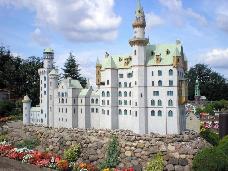 Mini-Born-Park Owschlag - Außenanlage in Spur IIm mit berühmten Gebäuden in 1:25 20060110