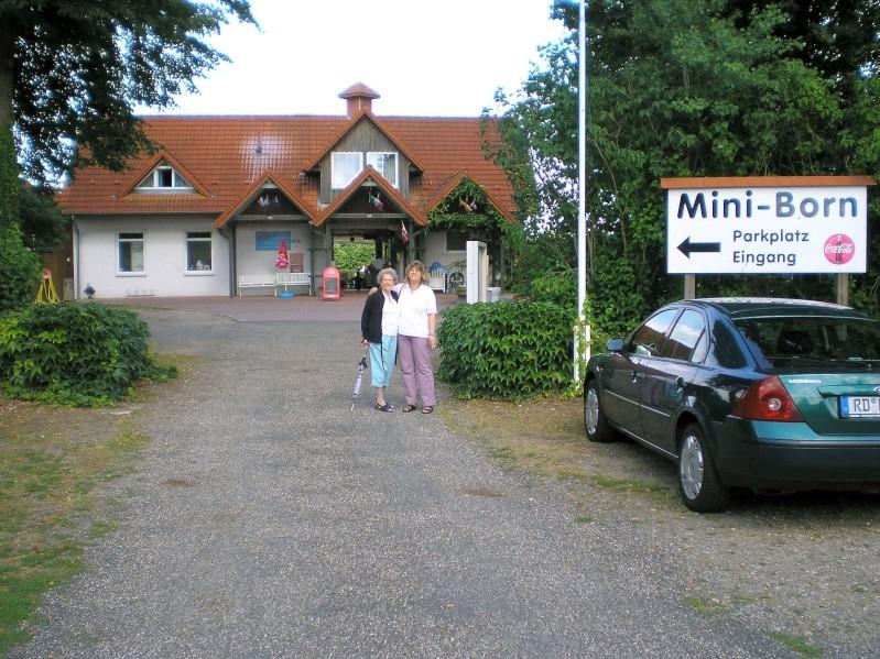 Mini-Born-Park Owschlag - Außenanlage in Spur IIm mit berühmten Gebäuden in 1:25 20060710