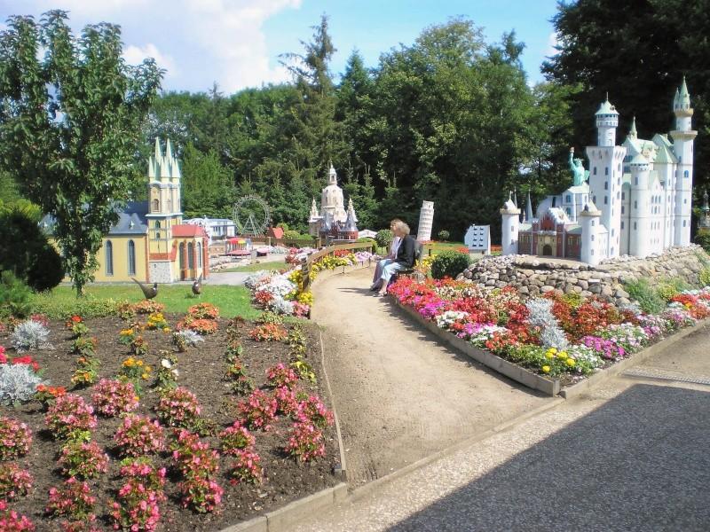 Mini-Born-Park Owschlag - Außenanlage in Spur IIm mit berühmten Gebäuden in 1:25 20060711