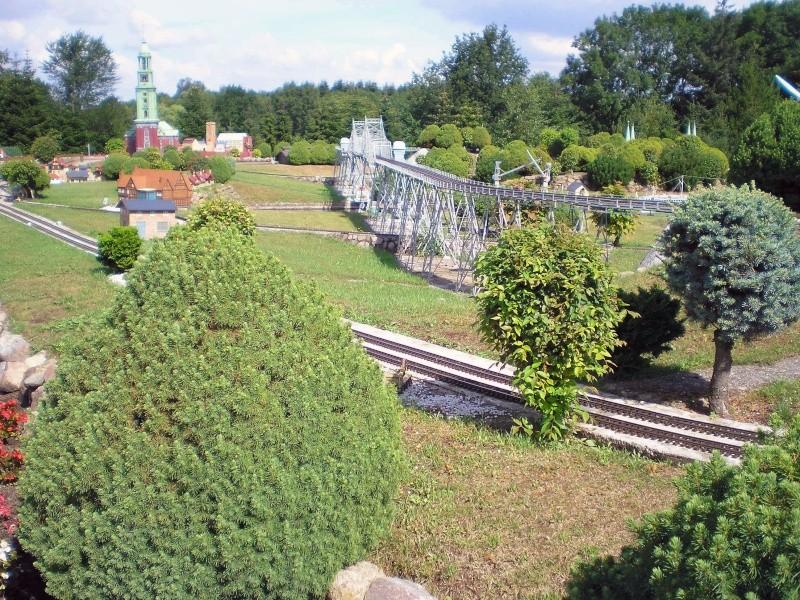 Mini-Born-Park Owschlag - Außenanlage in Spur IIm mit berühmten Gebäuden in 1:25 20060716