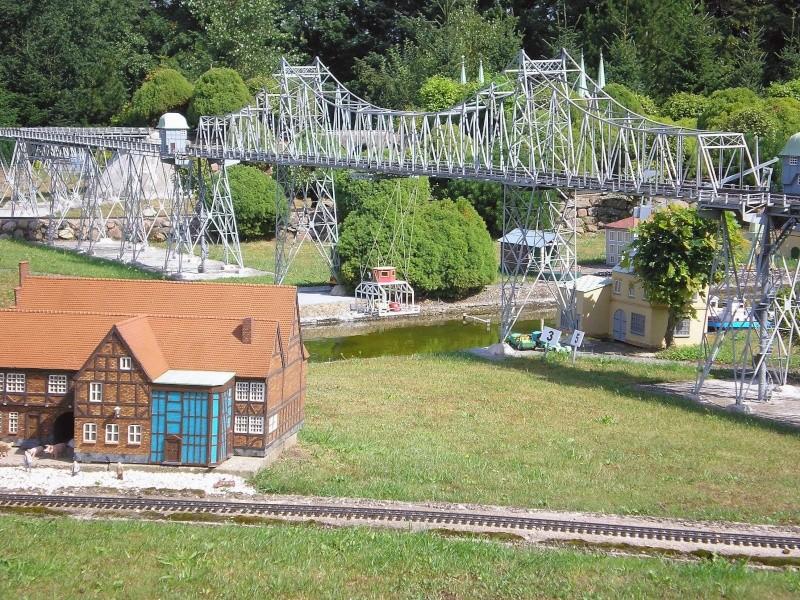 Mini-Born-Park Owschlag - Außenanlage in Spur IIm mit berühmten Gebäuden in 1:25 20060717