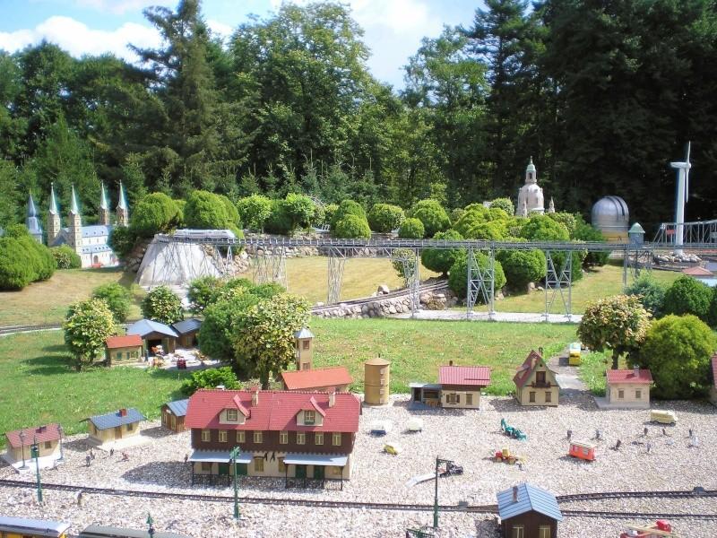 Mini-Born-Park Owschlag - Außenanlage in Spur IIm mit berühmten Gebäuden in 1:25 20060721