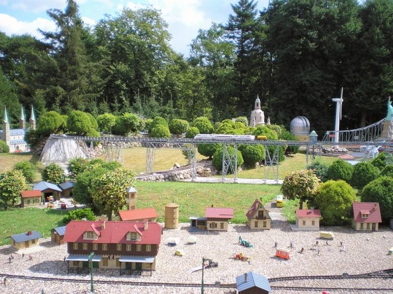 Mini-Born-Park Owschlag - Außenanlage in Spur IIm mit berühmten Gebäuden in 1:25 20060723
