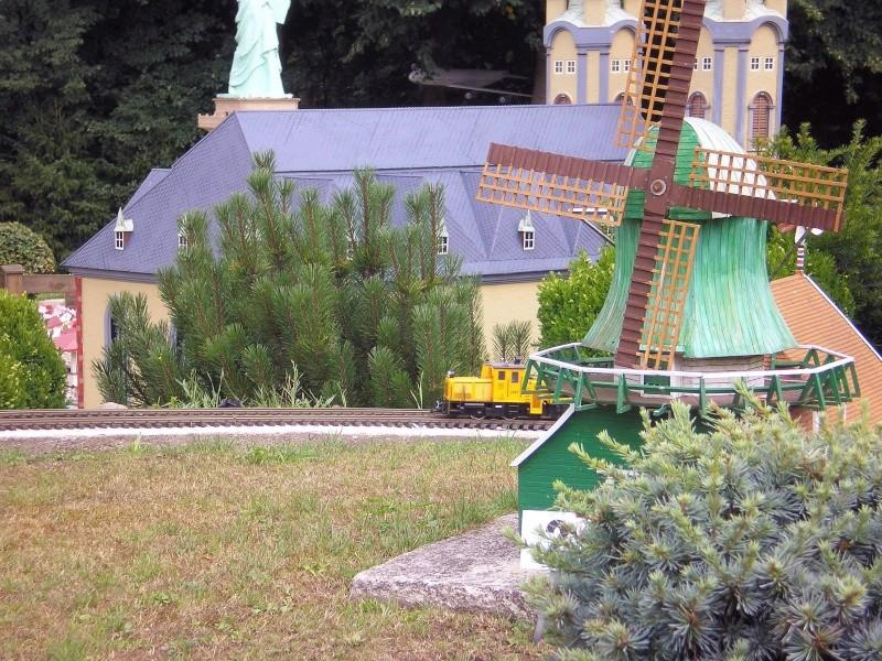 Mini-Born-Park Owschlag - Außenanlage in Spur IIm mit berühmten Gebäuden in 1:25 20060726