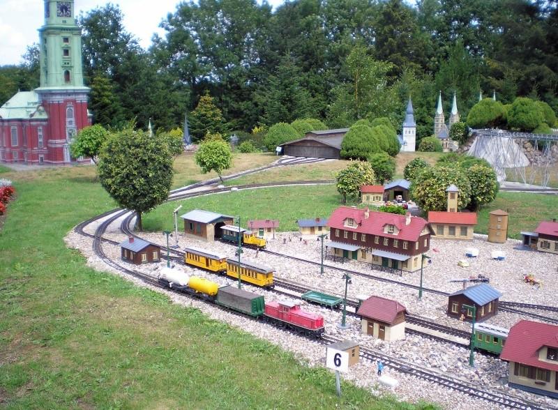 Mini-Born-Park Owschlag - Außenanlage in Spur IIm mit berühmten Gebäuden in 1:25 20060728