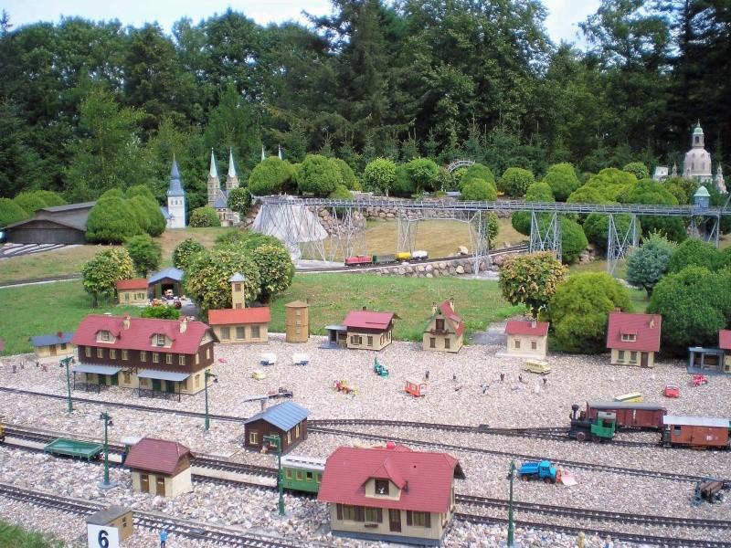 Mini-Born-Park Owschlag - Außenanlage in Spur IIm mit berühmten Gebäuden in 1:25 20060730
