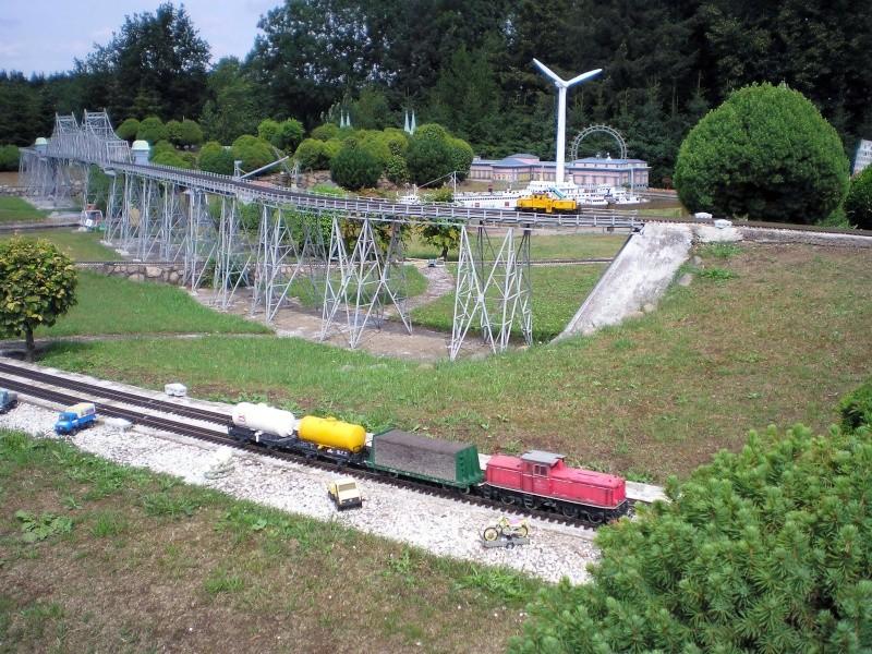 Mini-Born-Park Owschlag - Außenanlage in Spur IIm mit berühmten Gebäuden in 1:25 20060732