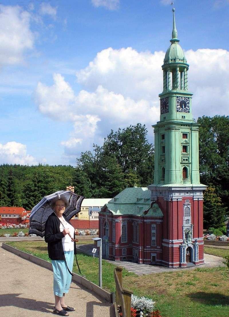 Mini-Born-Park Owschlag - Außenanlage in Spur IIm mit berühmten Gebäuden in 1:25 20060738