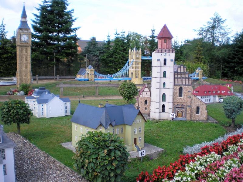 Mini-Born-Park Owschlag - Außenanlage in Spur IIm mit berühmten Gebäuden in 1:25 20060746