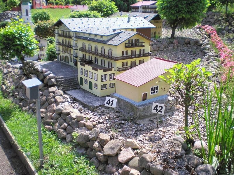 Mini-Born-Park Owschlag - Außenanlage in Spur IIm mit berühmten Gebäuden in 1:25 20060756