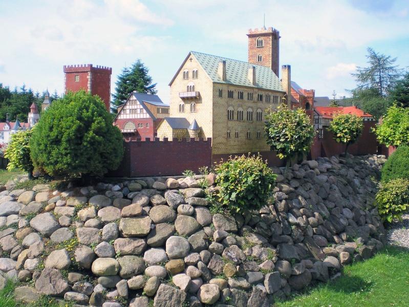 Mini-Born-Park Owschlag - Außenanlage in Spur IIm mit berühmten Gebäuden in 1:25 20060759