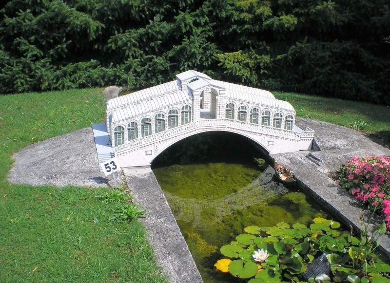 Mini-Born-Park Owschlag - Außenanlage in Spur IIm mit berühmten Gebäuden in 1:25 20060765