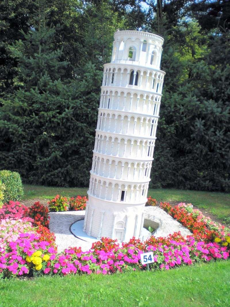 Mini-Born-Park Owschlag - Außenanlage in Spur IIm mit berühmten Gebäuden in 1:25 20060766
