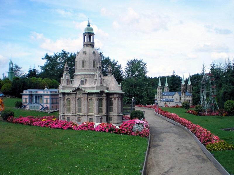 Mini-Born-Park Owschlag - Außenanlage in Spur IIm mit berühmten Gebäuden in 1:25 20060767