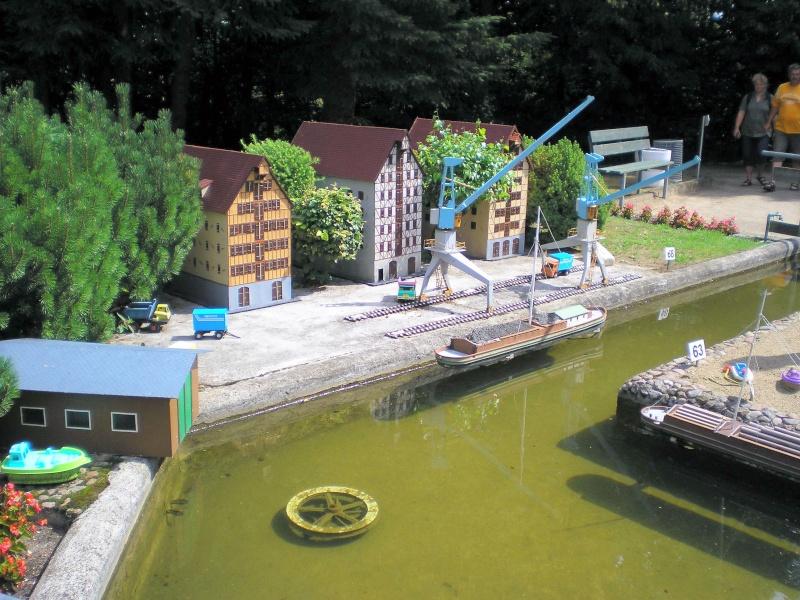 Mini-Born-Park Owschlag - Außenanlage in Spur IIm mit berühmten Gebäuden in 1:25 20060772